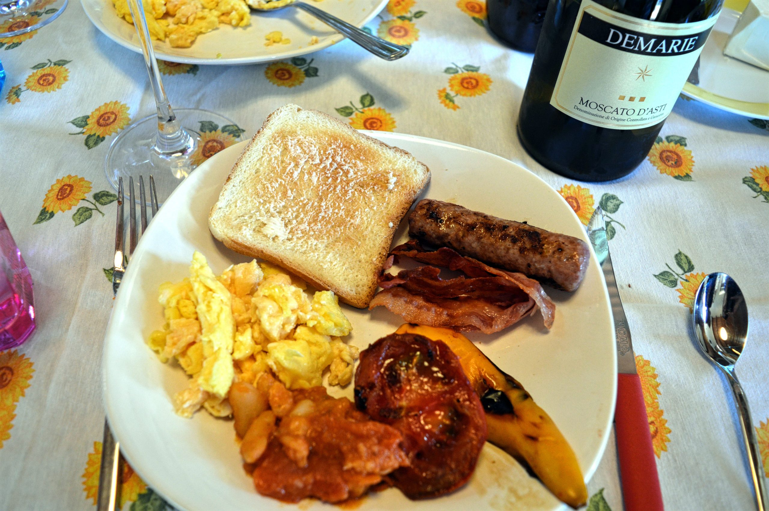 Moscato food pairing moscato for breakfast anyone for Cuisine wine