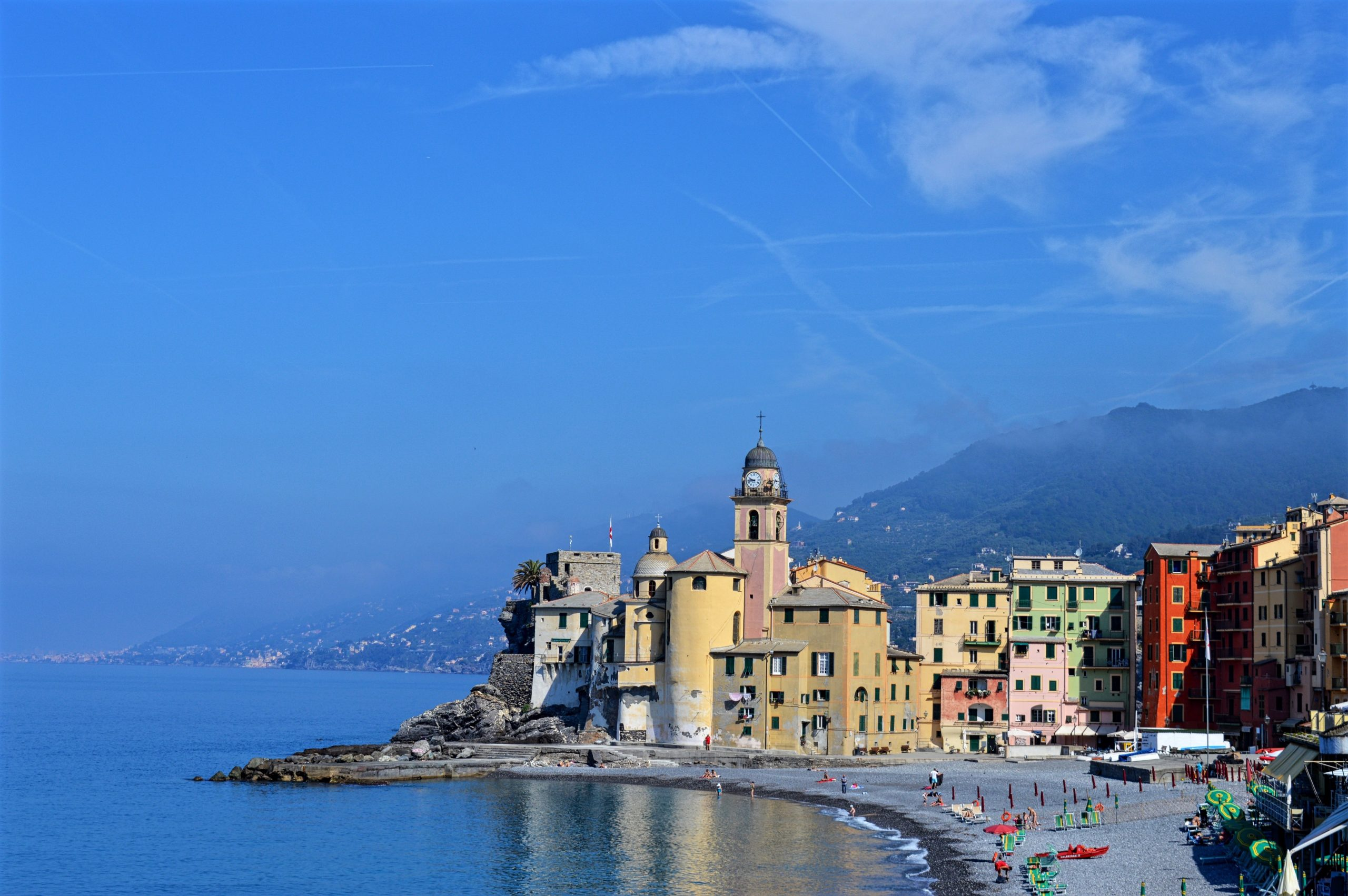 A Weekend Guide To Visiting Camogli, Italy - Girl's Gotta ...